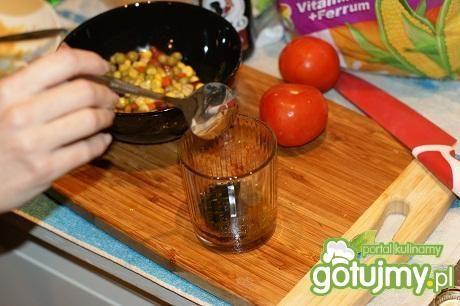 Kurczak w panierce z płatków kukurydz.