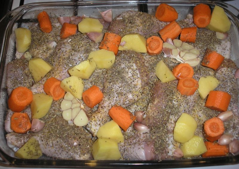 Kurczak w ziołach prowansalskich z warzywami