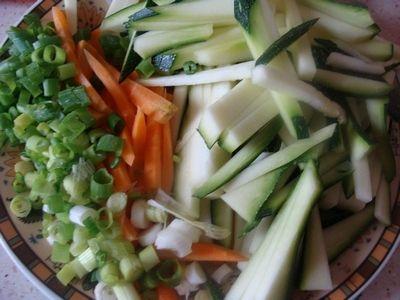 Kurczak z warzywami w sosie śmietanowym
