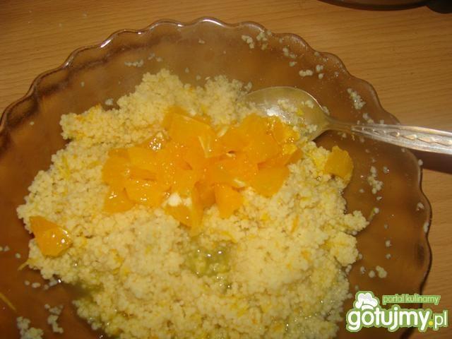 Kuskus na pomarańczową nutę