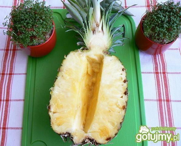 Kuskus z musem ananasowym z owocami
