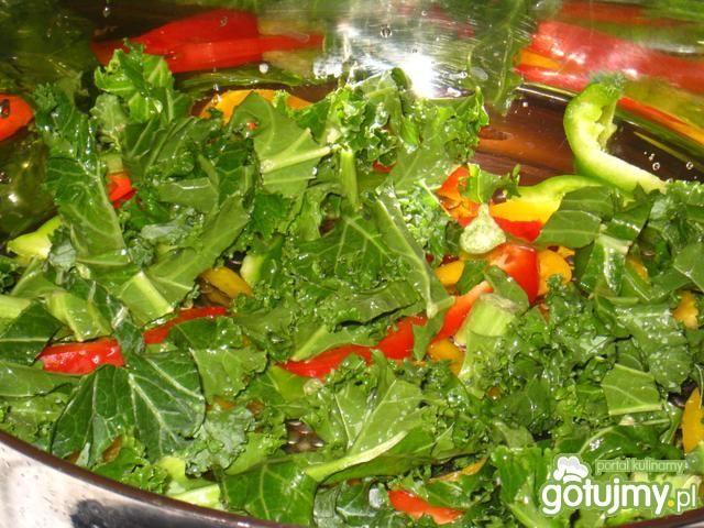 Łosoś duszony z warzywami