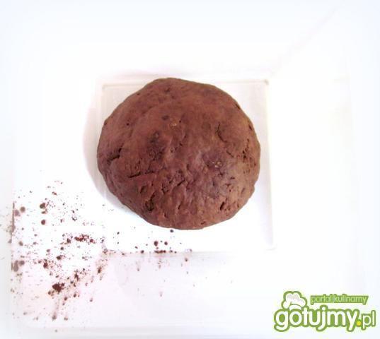 Makaron czekoladowy truskawkowo- różany