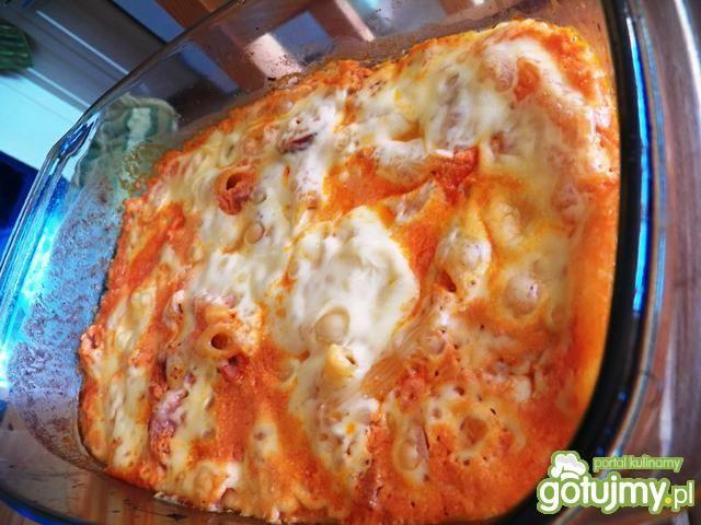 Makaron pieczony w pomidorowym sosie