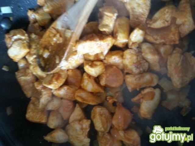 Makaron rurki z pieczarkami i kurczakiem