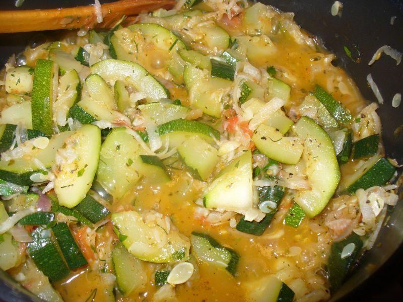 Makaron rurki z warzywami