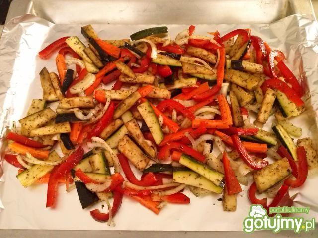 Makaron z grillowanymi warzywami