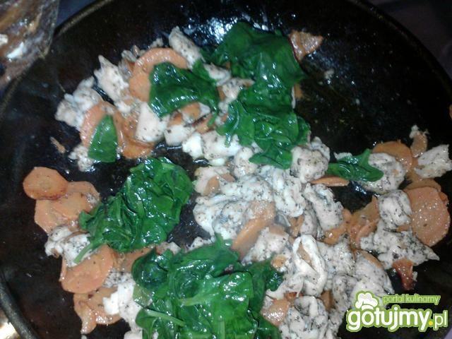 Makaron z kurczakiem i warzywami 2