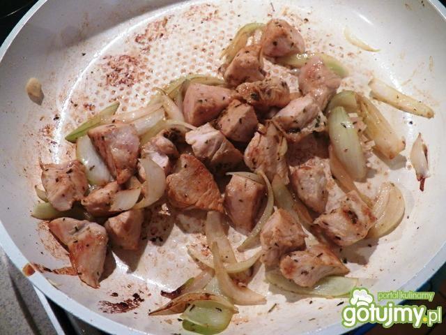 Makaron z piersią z kurczaka