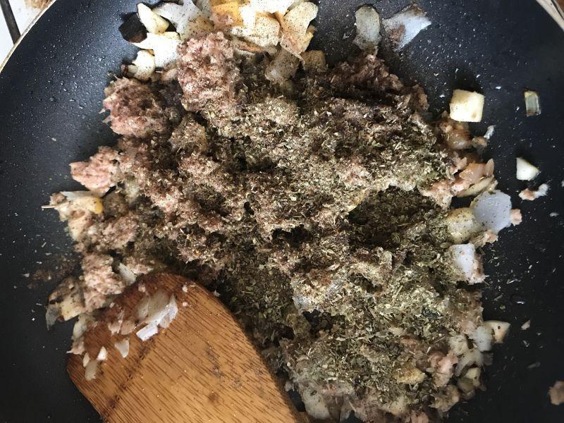 Makaron z tuńczykiem, jabłkiem i szparagami