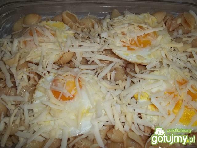 Makaron zapiekany z jajkami