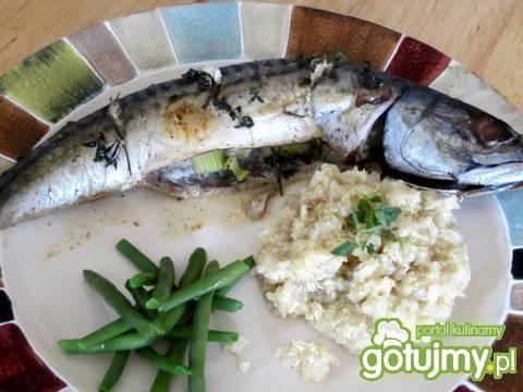 Makrela pieczona z selerem i rozmarynem
