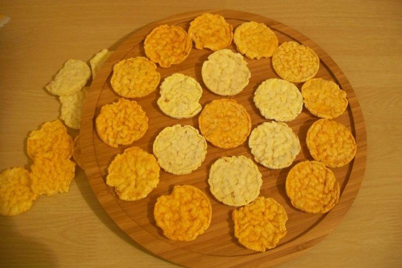Małe przekąski z chipsów popcornowych