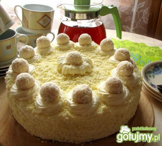 Mały tort kokosowy