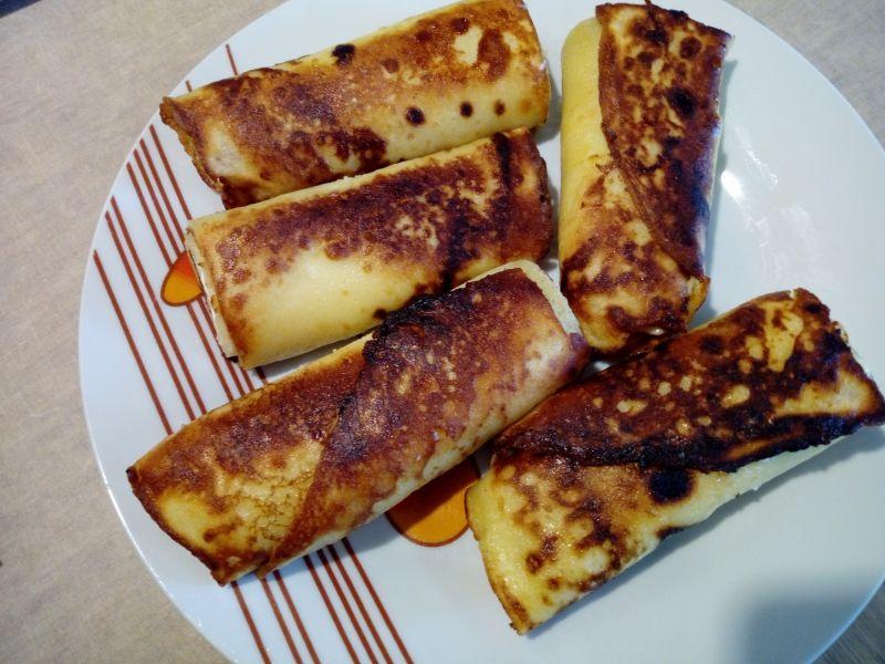 Migdałowe naleśniki z serem