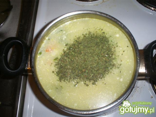 Miłosna zupka-lubczyk,fasolka i spółka