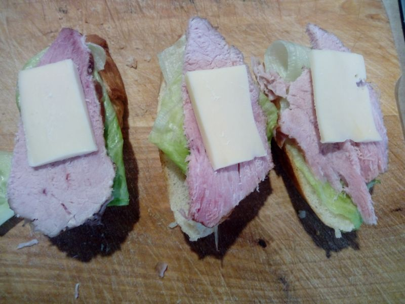 Mini kanapki na bagietce czosnkowej