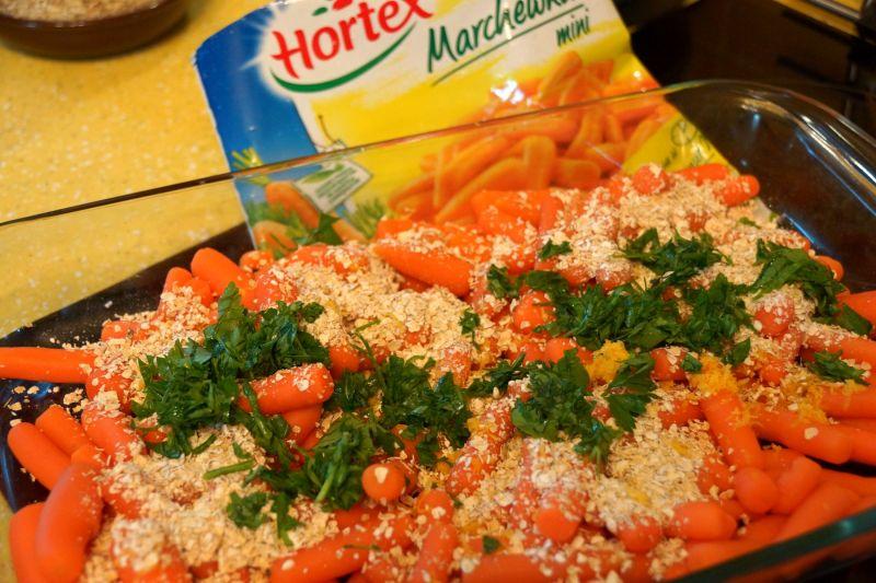Mini marchewki z cytrynowo-otrębową kruszonką
