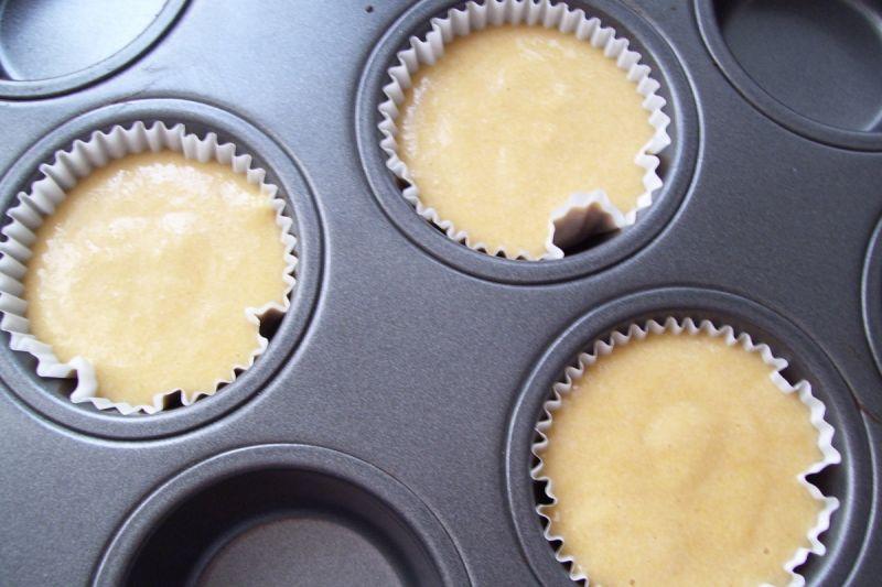 Muffinki kukurydziane z musem jabłkowym