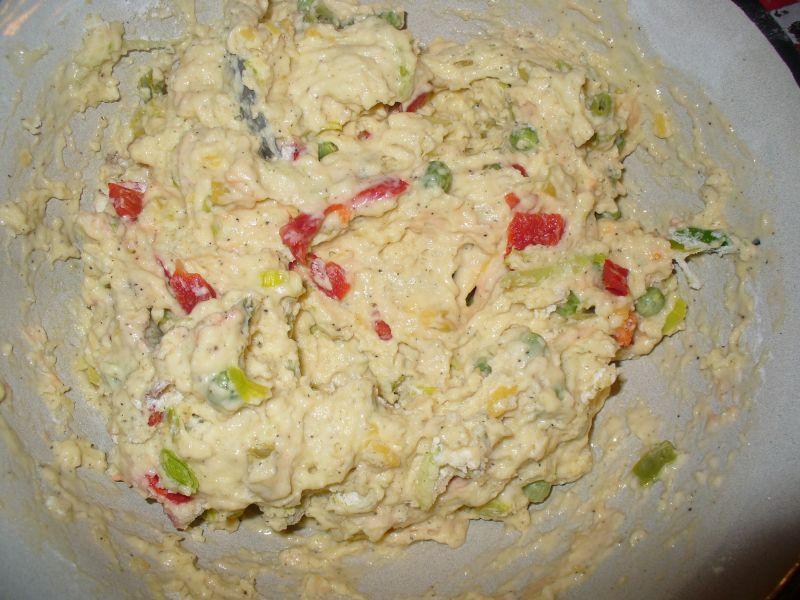 Muffinki wytrawne z zielonym groszkiem, papryką