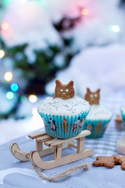 Muffinki z ciasteczkami w kształcie kota