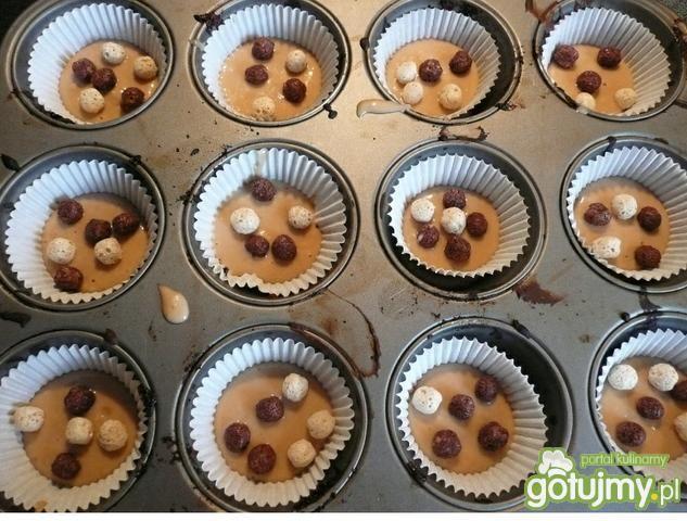 Muffiny z kuleczkami Nesquik