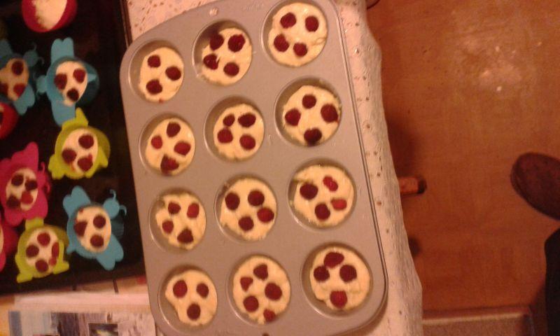 Muffiny z malinami