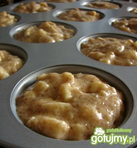 Mufiny orzechowo jabłkowe ze śmietanką
