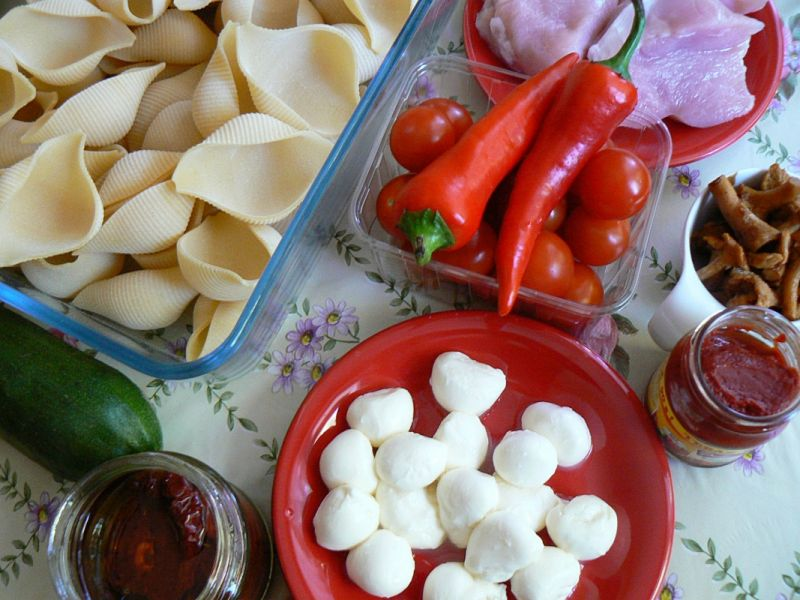 Muszelkowy torcik pomidorowy nadziewany