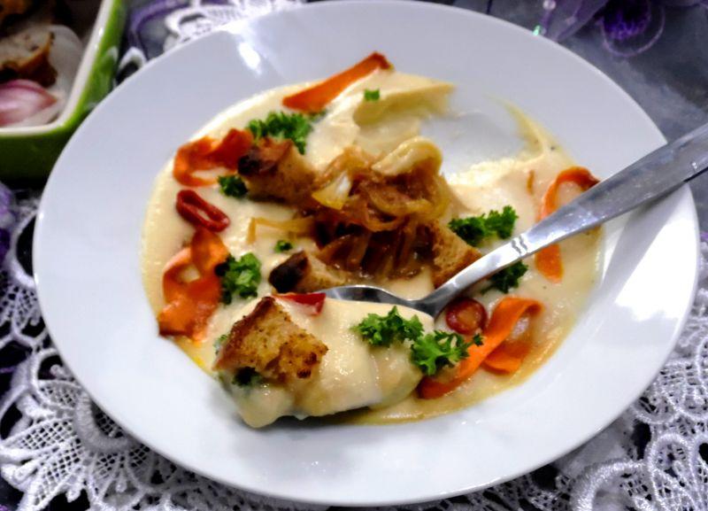 Najlepsza biała zupa typu krem