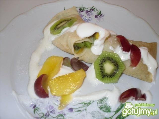 Naleśniki z owocami