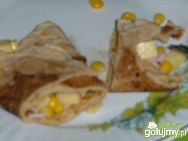 Naleśniki z szynką i serem