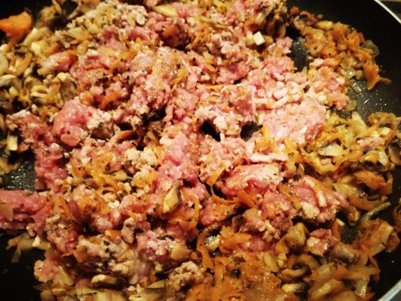 Naleśniki zapiekane z marchewką i wołowiną