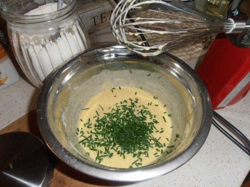 Naleśnikowe ślimaki z granatem i salami