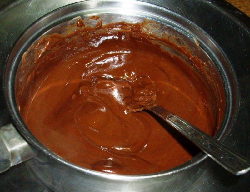 Omlet czekoladowy z lodami .
