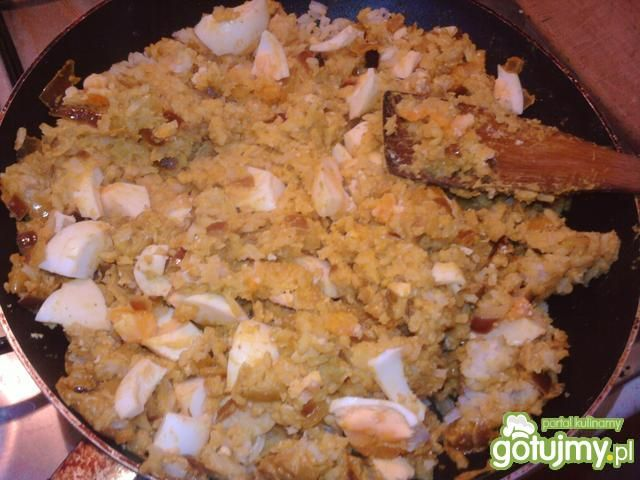 Orientalna potrawka z łososia z jajkiem