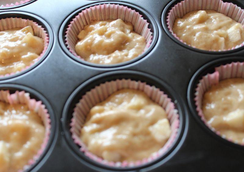 Orkiszowe muffinki z jabłkami