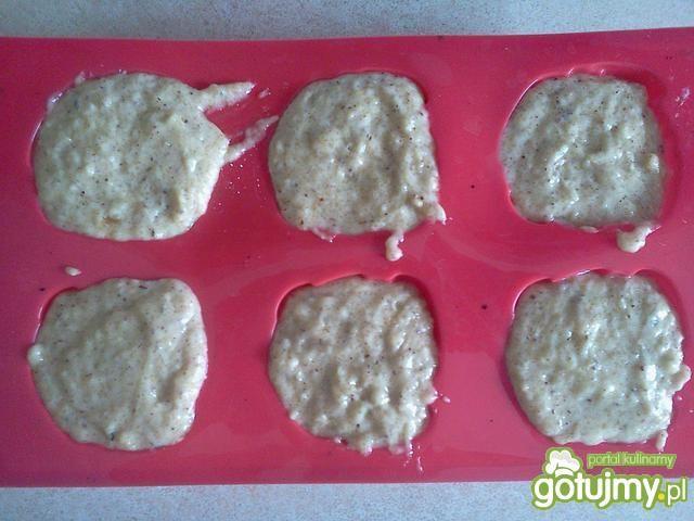 Orzechowe muffinki z masłem orzechowym