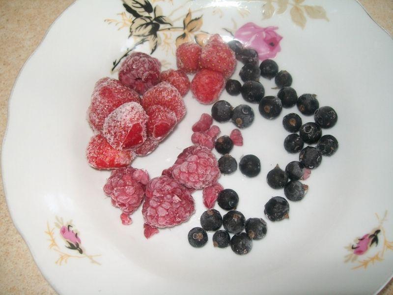 Owocowy deser z płatkami