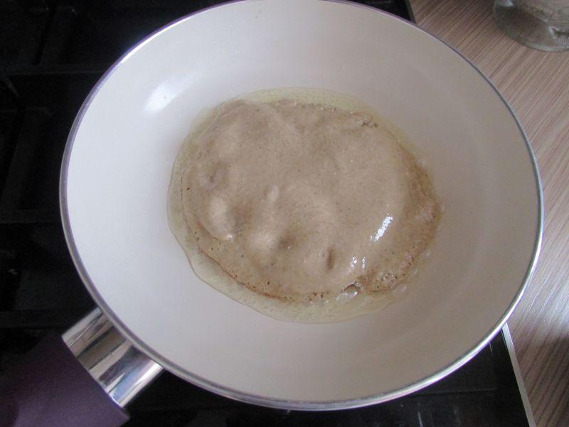 Pancakes z dżemem truskawkowym