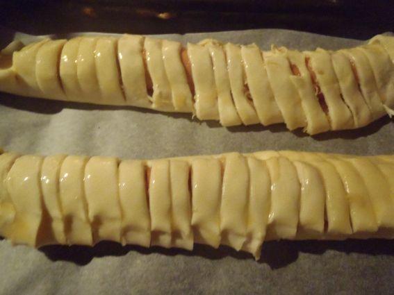 Parówki z serem w cieście francuskim
