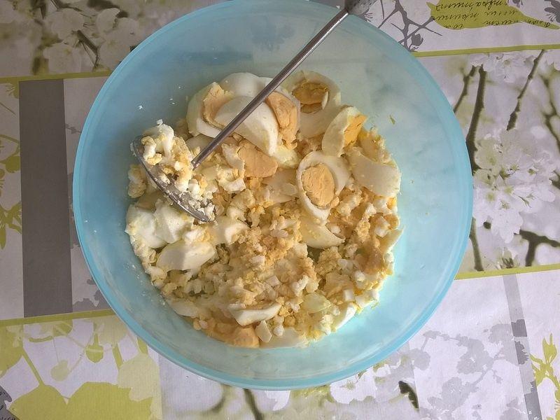 Pasta jajeczna z chrzanem i szczypiorkiem