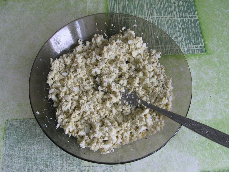 Pasta jajeczna z natką pietruszki