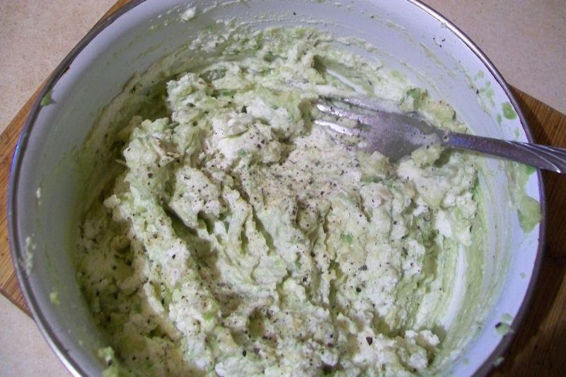 Pasta serowa z awokado