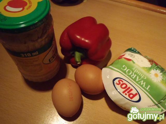 Pasta twarogowa z jajkami