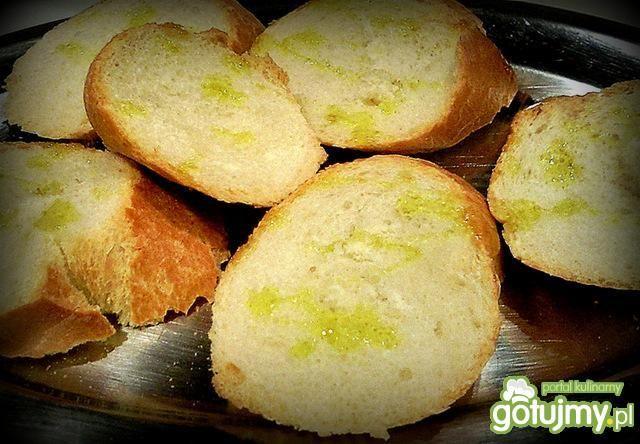 Pasta z avocado na grzankach