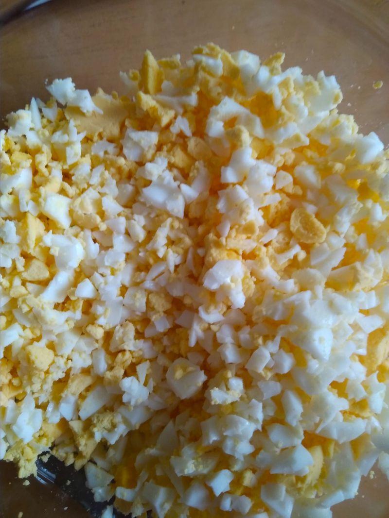 Pasta z jajek i rzodkiewki