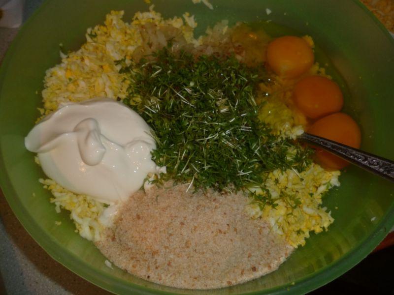 Pasztet jajeczny z łososiem i szpinakiem