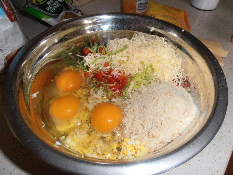 Pasztet jajeczny z parówką