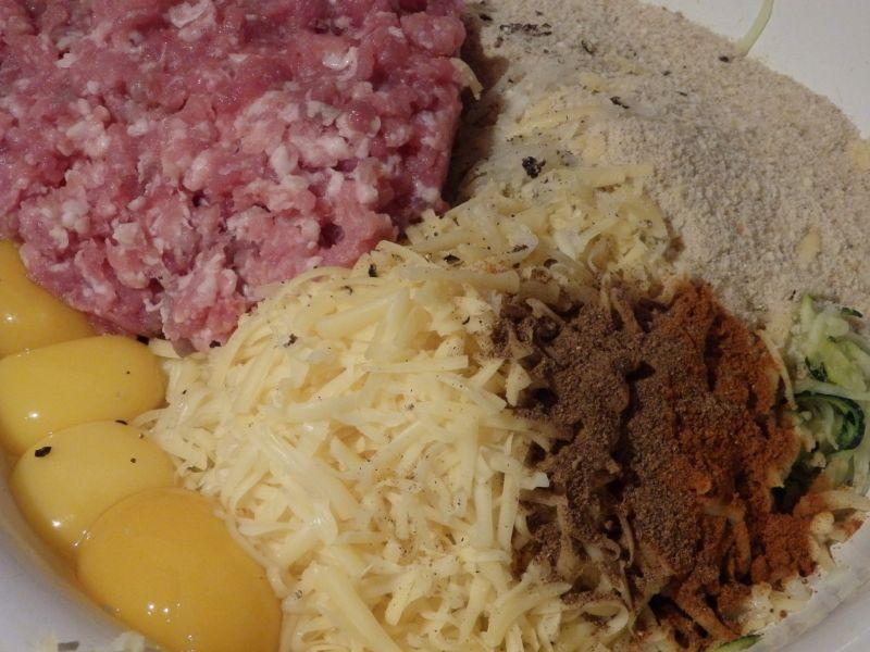 Pasztet z cukinii i mięsa mielonego